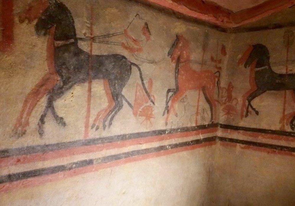 SCOPERTA TOMBA ETRUSCA A CHIUSI In provincia di Siena un nuovo tesoro archeologico