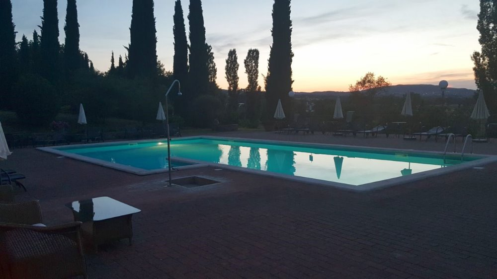 POOL PARTY AT LA SOVANA COUNTRY RELAIS