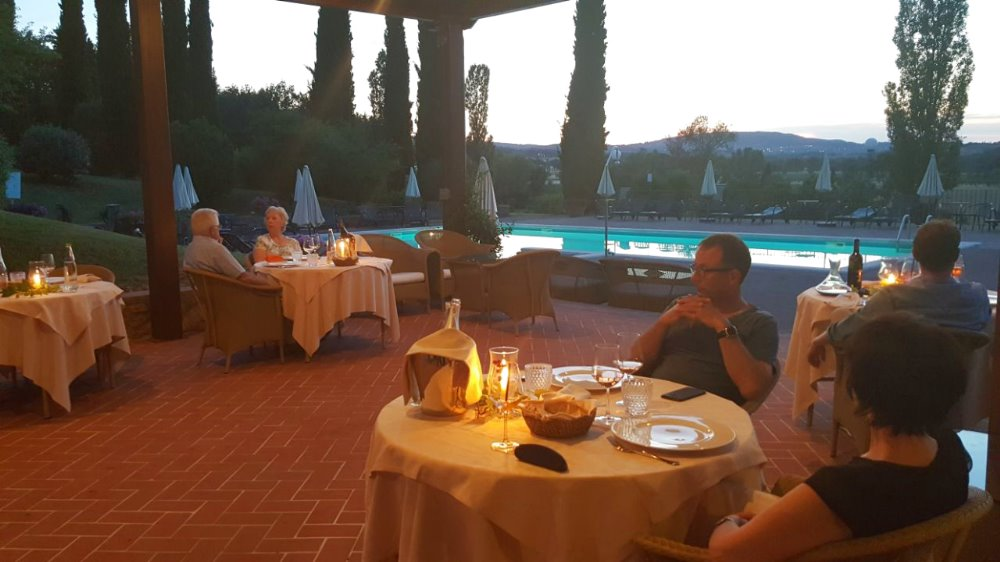 POOL PARTY AT LA SOVANA COUNTRY RELAIS Welcome Summer!